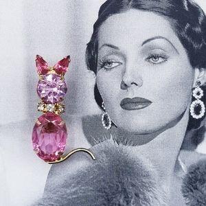 Vintage Pink rhinestone cat brooch